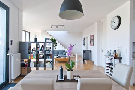 Central 108sqm penthouse w. fireplace and terrace - Berlino - Loft