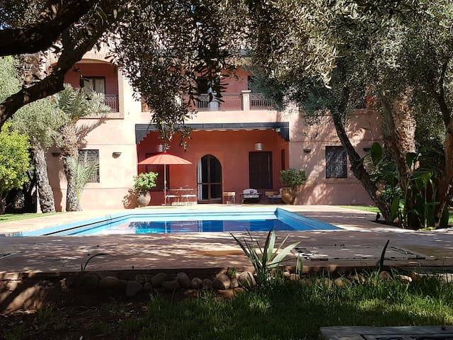 Villa  Mandarina 2 (4 ch 15 pers) avec  piscine