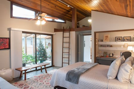 Zen Garden Suite with Solarium - Asheville - Bed & Breakfast