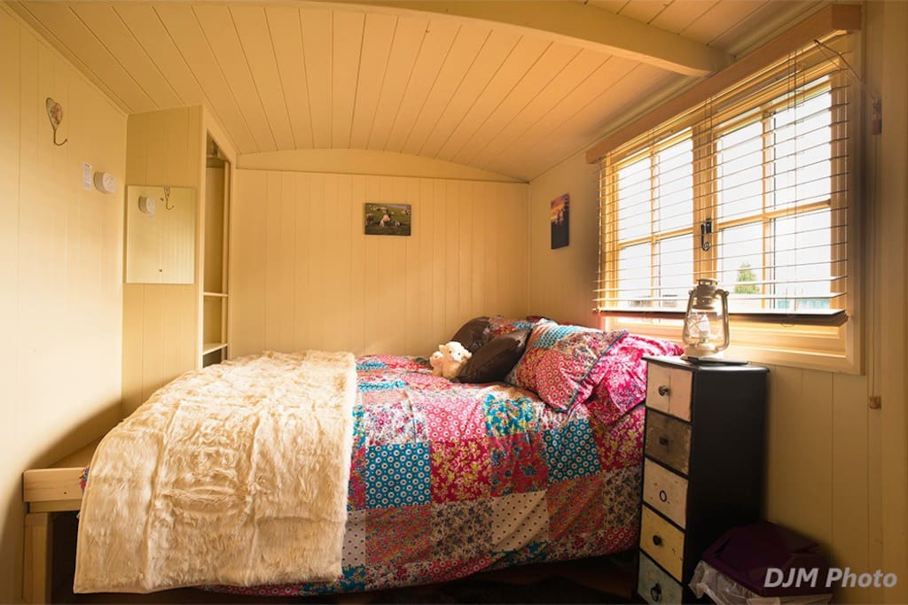 cosy king size cabin bed