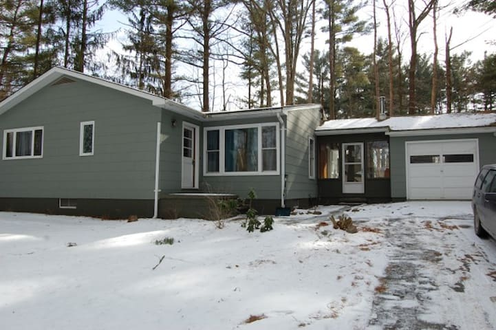 Ranch House in Lake Community - Copake - บ้าน