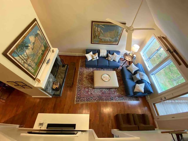 Hayview: Luxury family-friendly ski condo