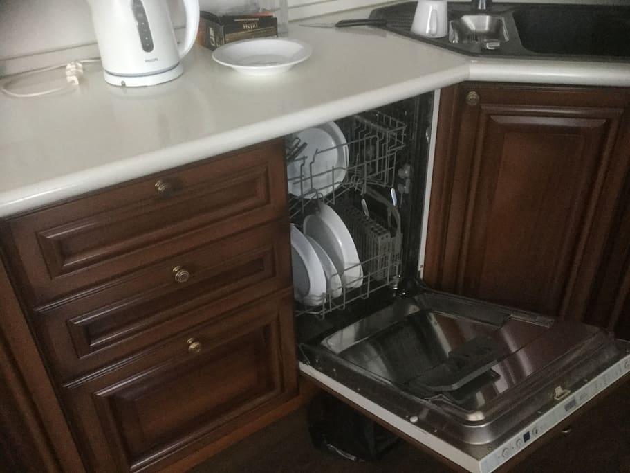 Посудомоечная машина / Dishwasher
