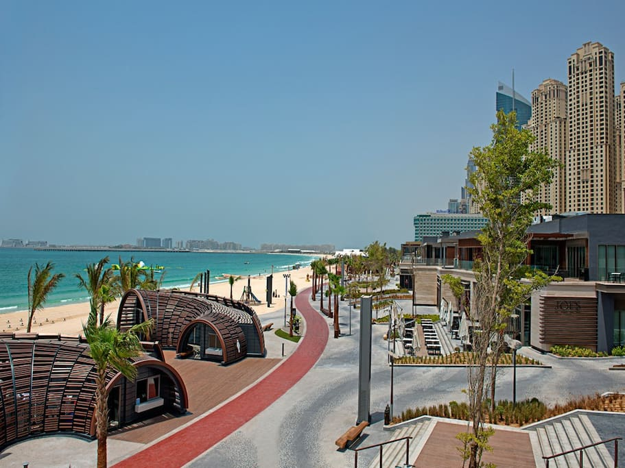 Dubai's most popular seaside strip with restaurants and shops at your doorstep