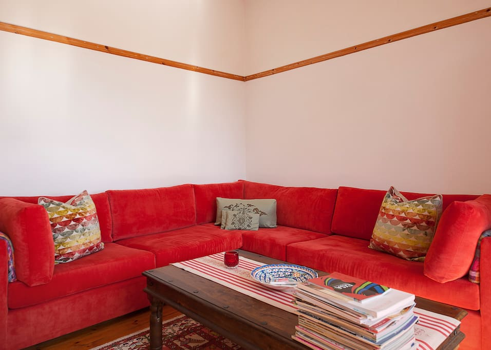 Spacious room in sunfilled flat