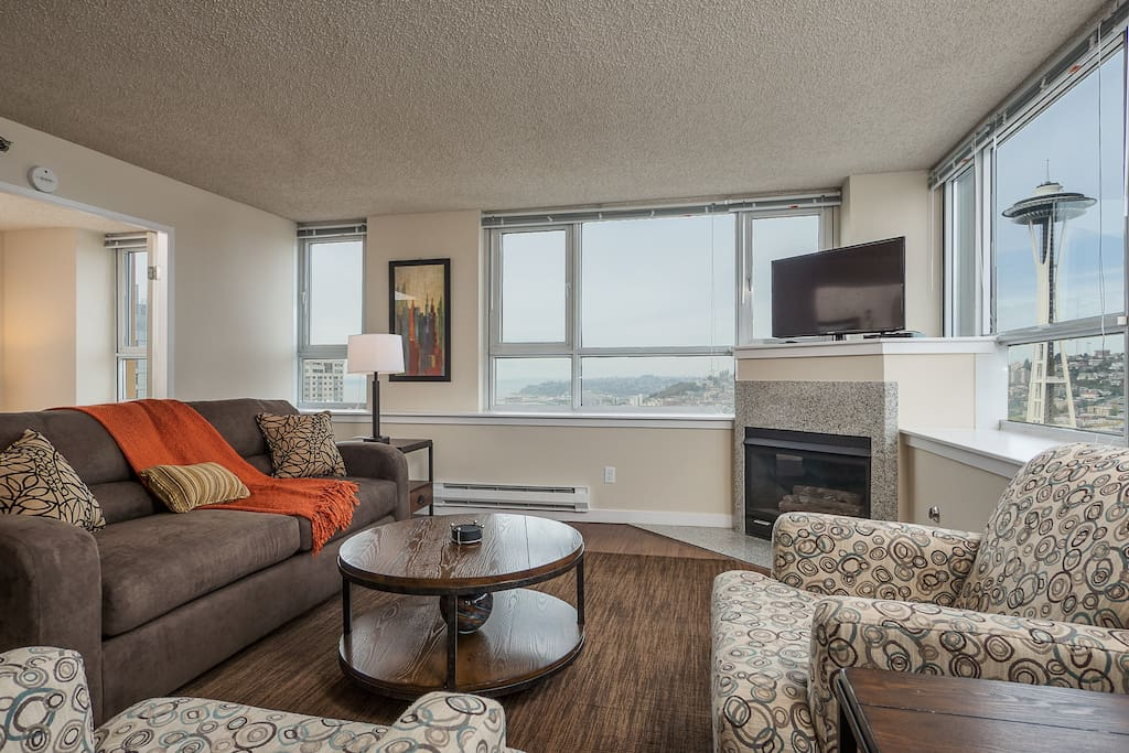 Living Room at Centennial Tower by Stay Alfred