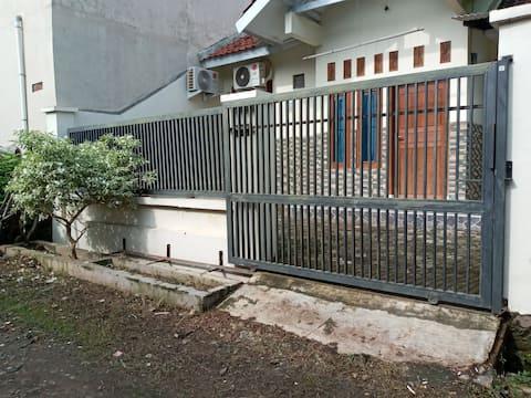 Sharia Guesthouse Jatibarang