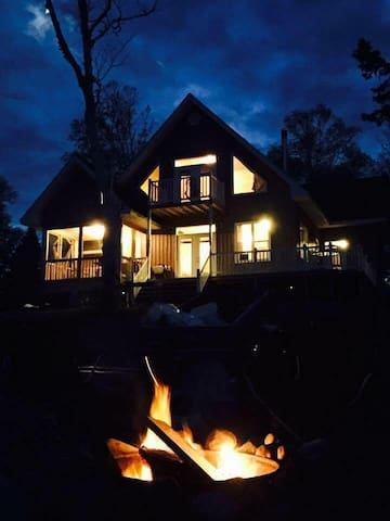 Cottage living at its finest!