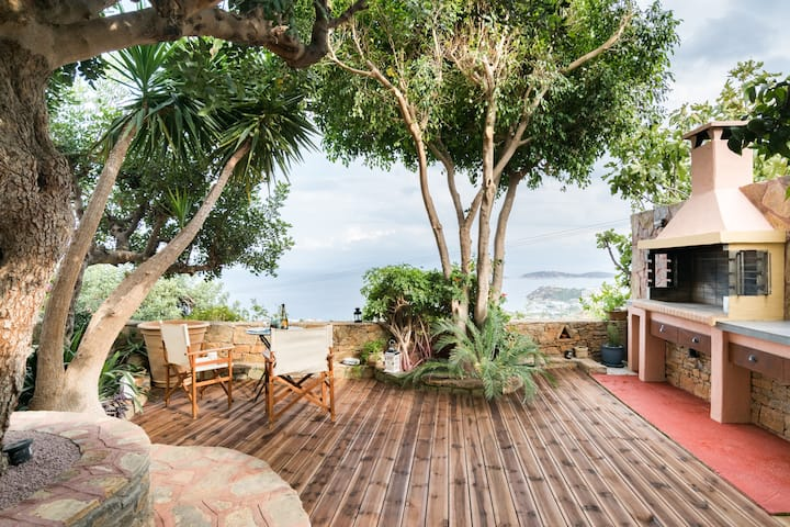 Drink in Dreamy Ocean Vistas from the Picturesque Patio