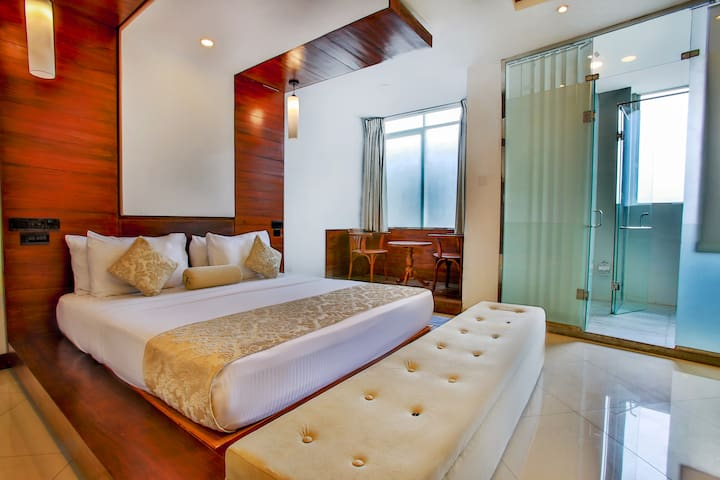 kandy city stay- superior king room