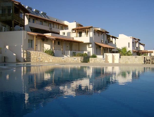 Creta Suites - Apartments - Koutsounari