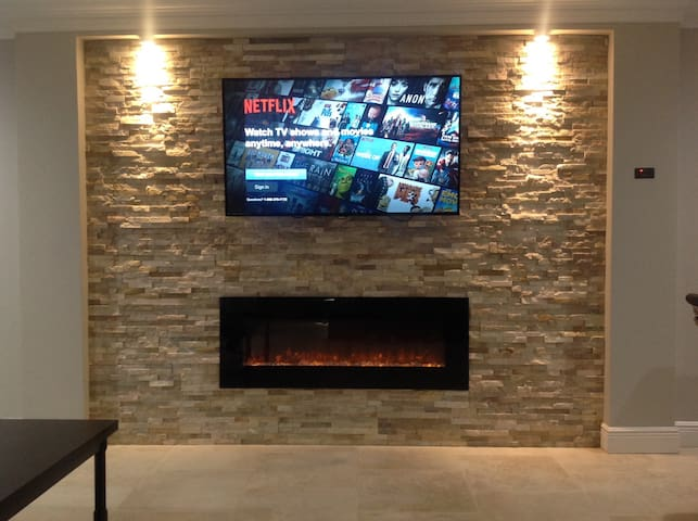 plasma tv and fireplace, (wi-fi) Included.