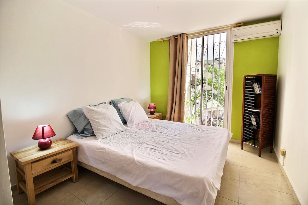 Confortable appartement vue marina - Apartments for Rent in GP ...
