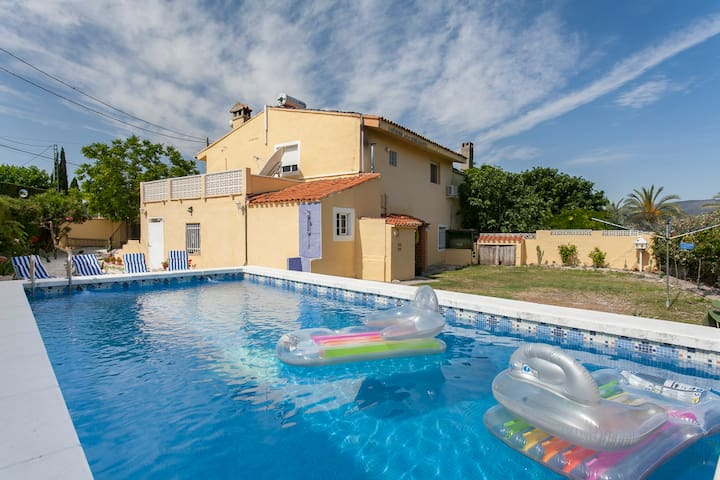2 Bedroom Apartment with use of Private Pool