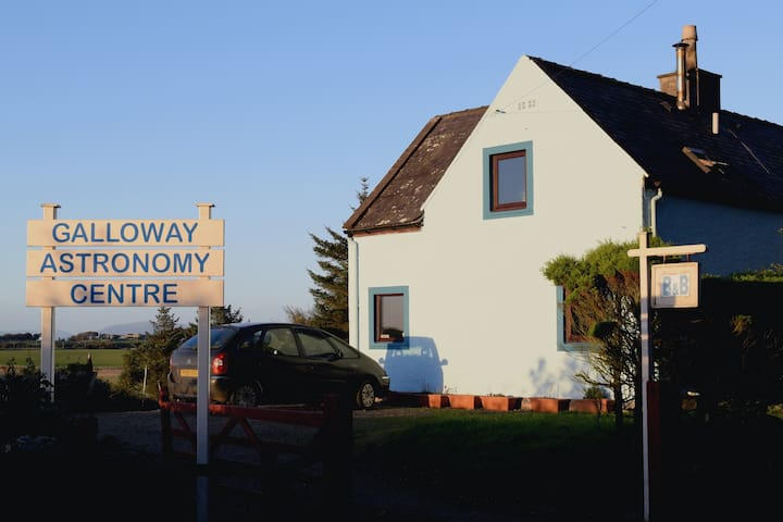 Large double room with great views - Whithorn - Bed & Breakfast