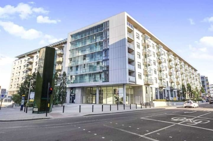 STUNNING 1 BED APARTMENT OUTSIDE WEMBLEY STADIUM