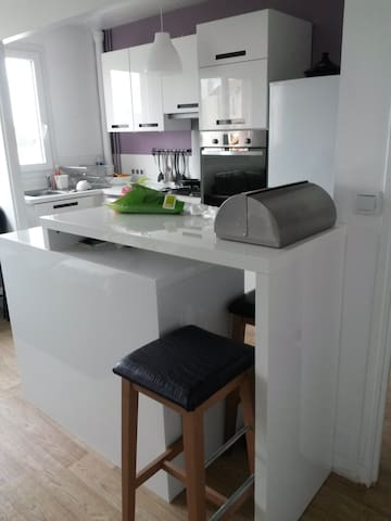 Bel appartement entier + parking - Gennevilliers - Apartmen