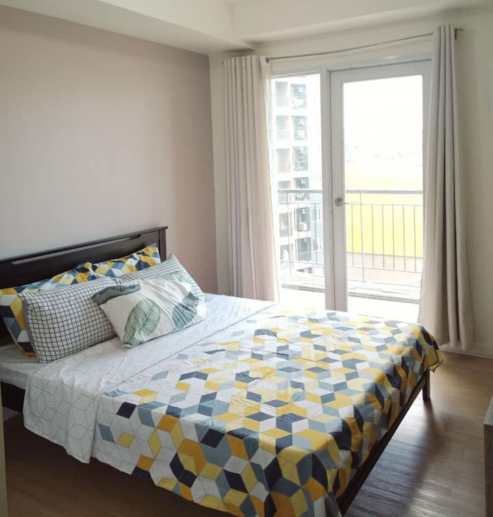 THE HIVE TAYTAY• 2 BEDROOM CONDO