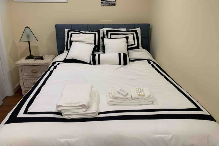 Queen sized , Memory foam , gel infused mattress in every room with luxurious linens,  top of the line pillows and deluxe toiletries for your comfort,  health and wellness .