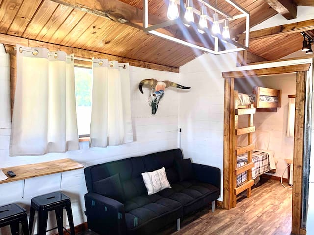 Modern Farmhouse Tiny Cabin outside PF & Knoxville