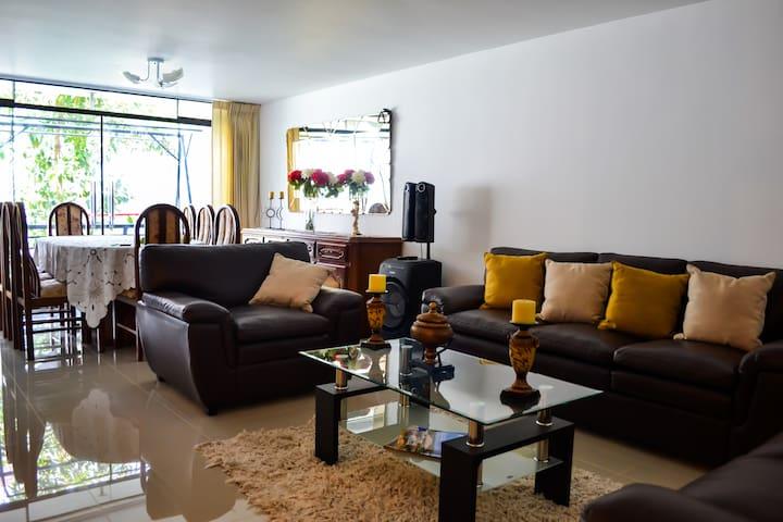 Acogedora habitación en urbanización privada