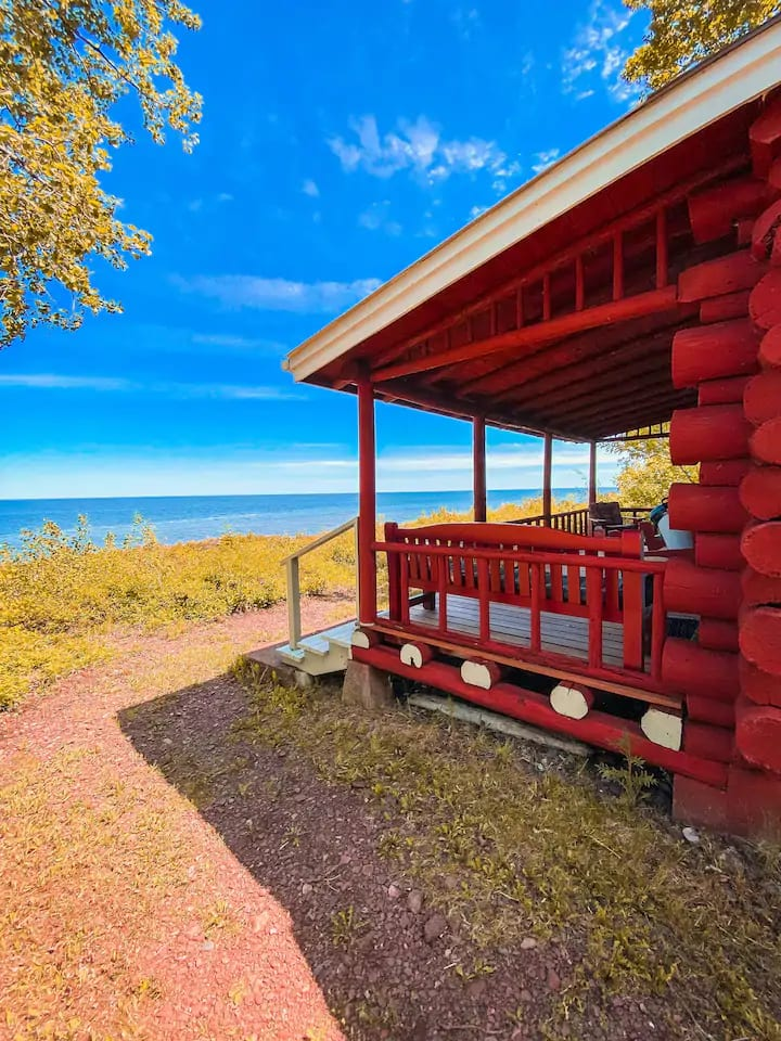 Fresh Coast Cabins: Log Cabin on Lake Superior