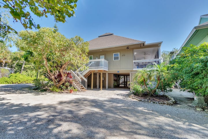 Experience Nightly Sunsets at the Beach in this Beautiful Sunset Captiva Home