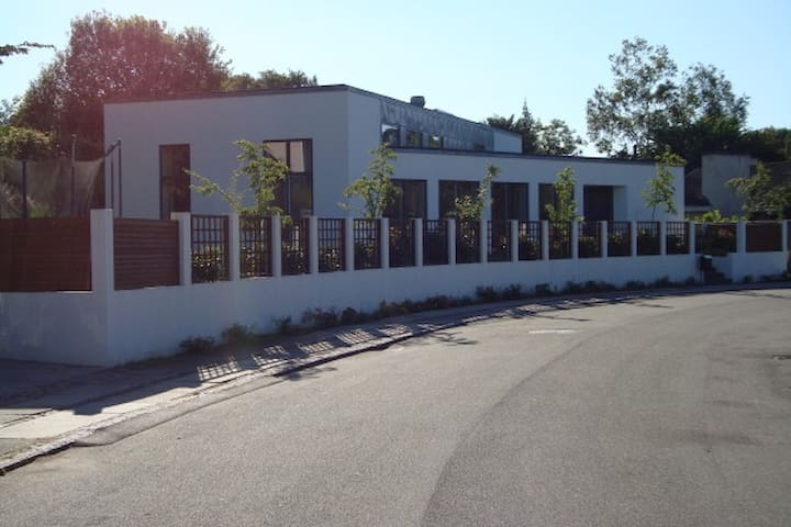 Bright modern house, 15 min to CPH - Klampenborg