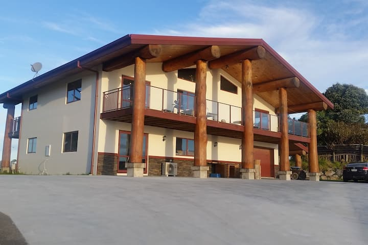 Pacific View Lodge