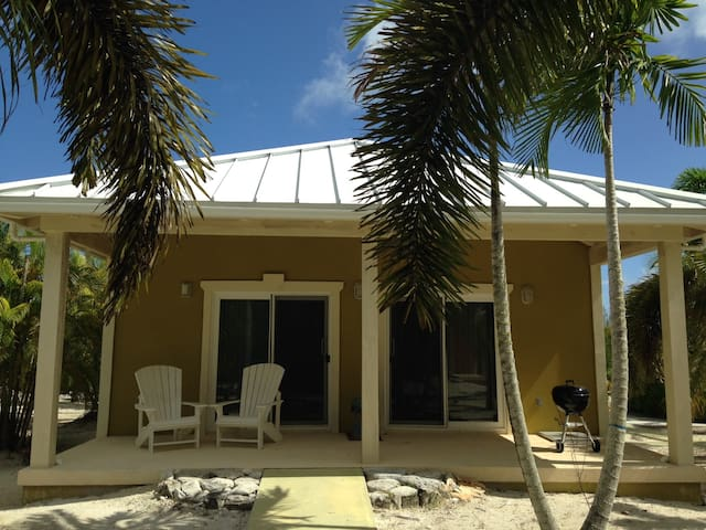 """Conch Out"" Bungalow - North Caicos - House"
