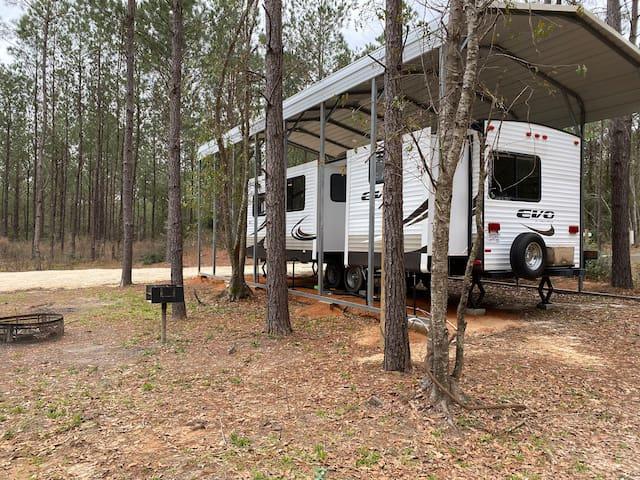 Jasper, TX outdoor getaway deluxe 2