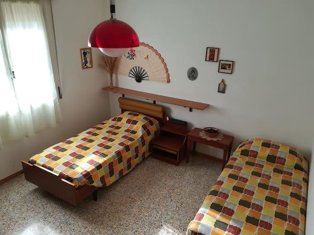 Camera da letto 2 - Bedroom 2