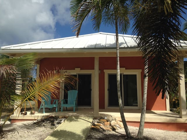 """Sea Breeze Bungalow"" - North Caicos - House"