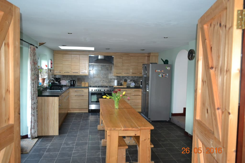 The kitchen/diner is spacious and well equipped with a gas hob and double oven.