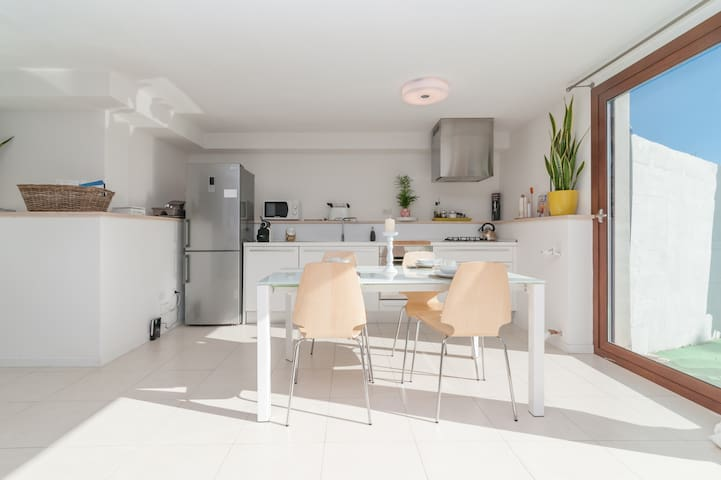 Luxury open space up 6 people - Cagliari - Apartment
