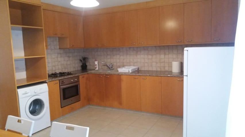 Comfortable Maisonette near Crown Plaza hotel - Limassol - Townhouse