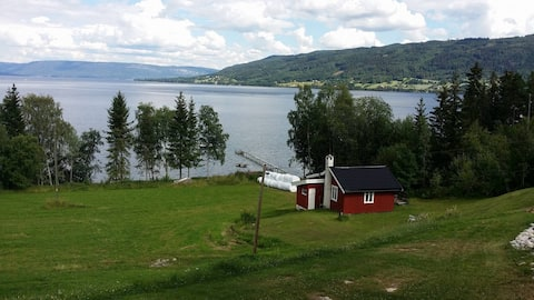 Nice, charming cottage by the lake. Buskerud,Modum