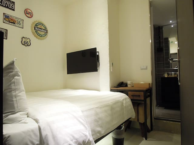 Charming Single Room near Taipei Main Stn**5min Taipei Stn