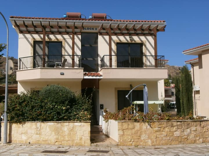 Pissouri apartment, FREE CANCELATION for 5 days B4