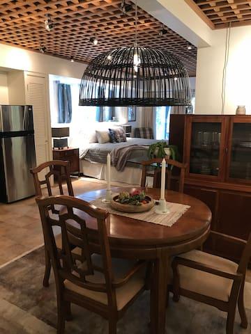Perfect guest studio located on private estate.