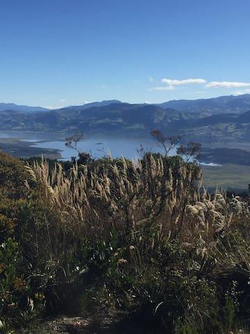Vista Guatavita, Guasca, vía Pionono