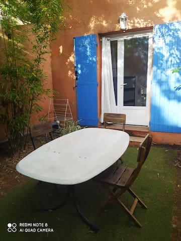 Studio avec jardin (Centre-ville d'Aix-en-Pce)