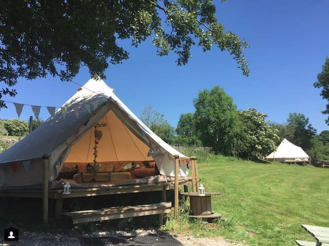 Bell tent/tipi on working farm + wood stove (r)