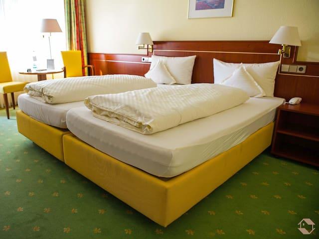 Kurhotel Markushof, (Bad Bellingen), Doppelzimmer, ca. 16-18qm, max. 2 Personen