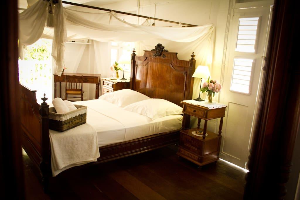 habitation l 39 oiseau chbre ma tre chambres d 39 h tes louer vieux habitants basse terre. Black Bedroom Furniture Sets. Home Design Ideas