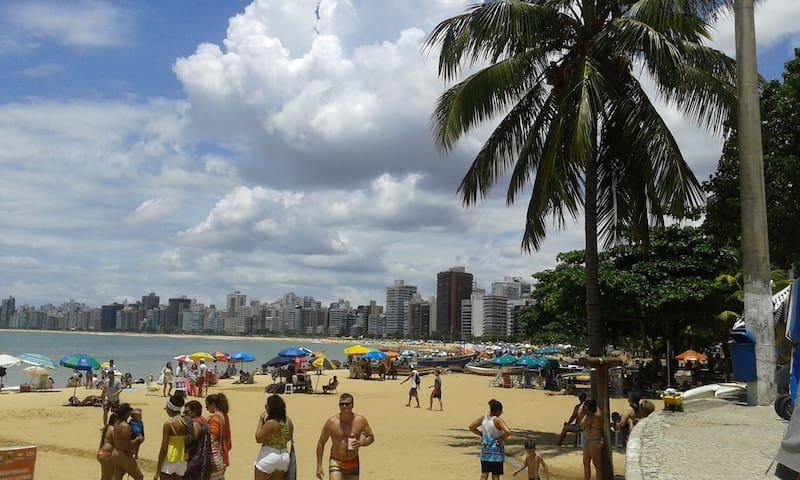 Apto em condomínio na praia de Itaparica