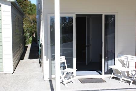 Inhouse unit overlooking Tasman Bay - Kaiteriteri
