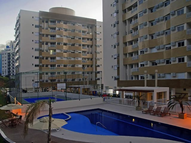 Itacorubi - Quarto em apartamento