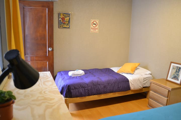 MIRAFLORES ROOM- ROOM FOR 2 or 3