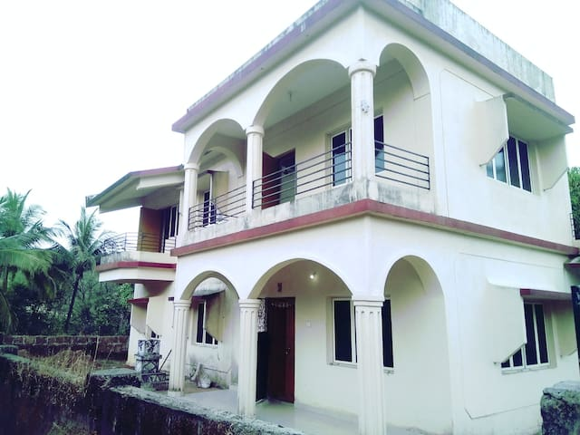 Spacious and affordable apartment in North Goa - Tivim - Apartment